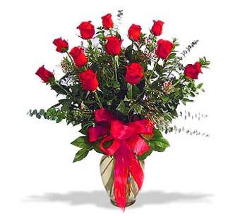 çiçek siparisi 11 adet kirmizi gül cam vazo  Nevşehir çiçek , çiçekçi , çiçekçilik