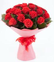 12 adet kırmızı gül buketi  Nevşehir çiçek gönderme sitemiz güvenlidir