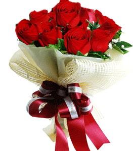 9 adet kırmızı gülden buket tanzimi  Nevşehir çiçek online çiçek siparişi