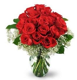25 adet kırmızı gül cam vazoda  Nevşehir yurtiçi ve yurtdışı çiçek siparişi