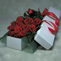 Nevşehir çiçek , çiçekçi , çiçekçilik  11 adet gülden kutu