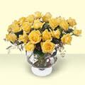 Nevşehir kaliteli taze ve ucuz çiçekler  11 adet sari gül cam yada mika vazo içinde