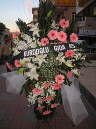 kazablanka,gerbera,sebboy ferforje  Nevşehir İnternetten çiçek siparişi