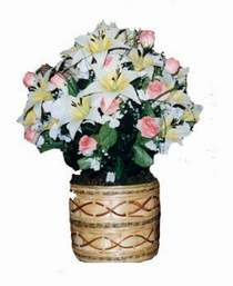yapay karisik çiçek sepeti   Nevşehir çiçek siparişi vermek