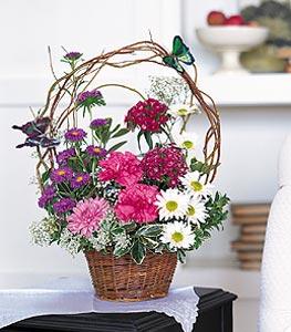 Nevşehir hediye çiçek yolla  sepet içerisinde karanfil gerbera ve kir çiçekleri