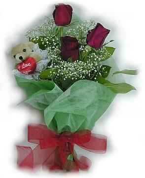 3 adet gül ve küçük ayicik buketi  Nevşehir ucuz çiçek gönder