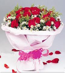 Nevşehir çiçek yolla  12 ADET KIRMIZI GÜL BUKETI