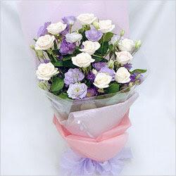 Nevşehir çiçek yolla  BEYAZ GÜLLER VE KIR ÇIÇEKLERIS BUKETI