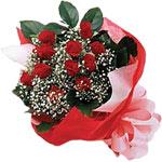 Nevşehir çiçek yolla  KIRMIZI AMBALAJ BUKETINDE 12 ADET GÜL