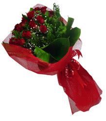 Nevşehir çiçek online çiçek siparişi  10 adet kirmizi gül demeti