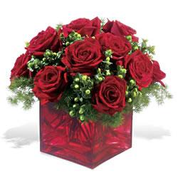 Nevşehir çiçek servisi , çiçekçi adresleri  9 adet kirmizi gül cam yada mika vazoda