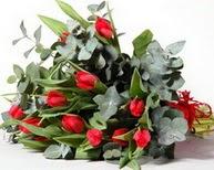 Nevşehir güvenli kaliteli hızlı çiçek  11 adet kirmizi gül buketi özel günler için
