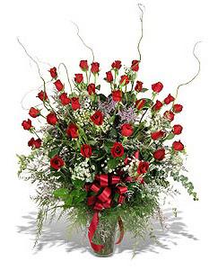Nevşehir çiçek gönderme sitemiz güvenlidir  33 adet kirmizi gül vazo içerisinde