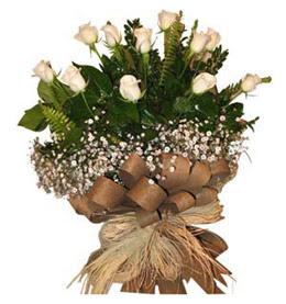 Nevşehir kaliteli taze ve ucuz çiçekler  9 adet beyaz gül buketi