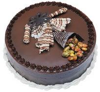 Çikolatali yas pasta 4 ile 6 kisilik  leziz  Nevşehir online çiçek gönderme sipariş