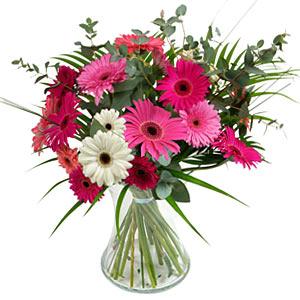 15 adet gerbera ve vazo çiçek tanzimi  Nevşehir çiçek , çiçekçi , çiçekçilik