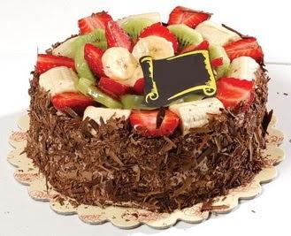 pastaci firmasindan 4 ile 6 kisilik çikolata meyvali yaspasta  Nevşehir çiçek gönderme sitemiz güvenlidir