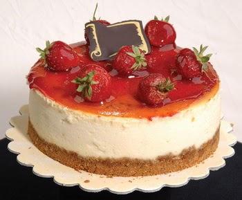 online pastaci 4 ile 6 kisilik yas pasta çilekli  Nevşehir çiçek gönderme sitemiz güvenlidir