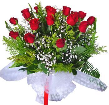 11 adet gösterisli kirmizi gül buketi  Nevşehir çiçek yolla