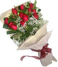 11 adet kirmizi güllerden özel buket  Nevşehir çiçekçi telefonları