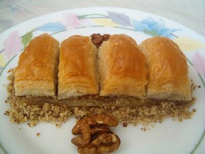 online pastane Essiz lezzette 1 kilo cevizli baklava  Nevşehir ucuz çiçek gönder