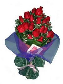 12 adet kirmizi gül buketi  Nevşehir çiçek , çiçekçi , çiçekçilik
