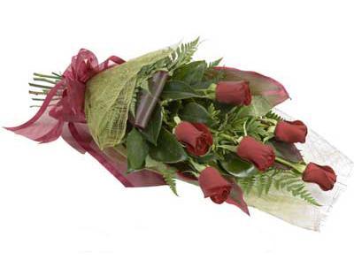 ucuz çiçek siparisi 6 adet kirmizi gül buket  Nevşehir çiçek gönderme sitemiz güvenlidir