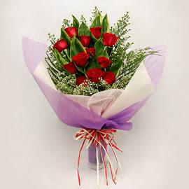 çiçekçi dükkanindan 11 adet gül buket  Nevşehir İnternetten çiçek siparişi