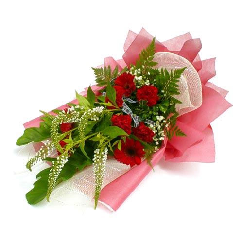 Karisik çiçek buketi mevsim buket  Nevşehir çiçek gönderme sitemiz güvenlidir