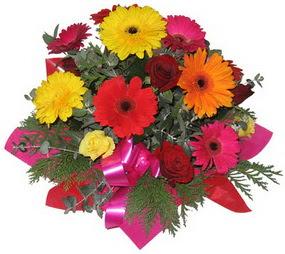 Karisik mevsim çiçeklerinden buket  Nevşehir çiçekçiler