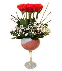 Nevşehir çiçek gönderme  cam kadeh içinde 7 adet kirmizi gül çiçek