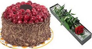 1 adet yas pasta ve 1 adet kutu gül  Nevşehir çiçekçi mağazası