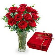Nevşehir İnternetten çiçek siparişi  10 adet cam yada mika vazoda gül çikolata