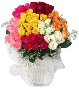 Nevşehir kaliteli taze ve ucuz çiçekler  51 adet farklı renklerde gül buketi