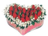 Nevşehir kaliteli taze ve ucuz çiçekler  mika kalpte kirmizi güller 9