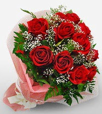12 adet kırmızı güllerden kaliteli gül  Nevşehir çiçek satışı