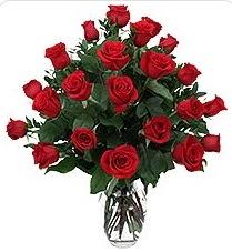 Nevşehir çiçek gönderme sitemiz güvenlidir  24 adet kırmızı gülden vazo tanzimi