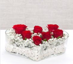 kalp içerisinde 7 adet kırmızı gül  Nevşehir çiçek satışı