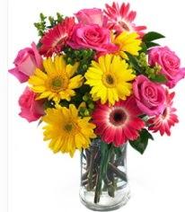 Vazoda Karışık mevsim çiçeği  Nevşehir İnternetten çiçek siparişi