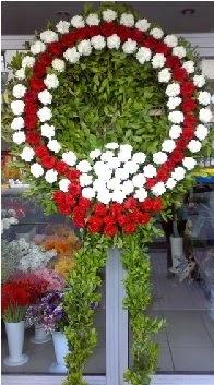 Cenaze çelenk çiçeği modeli  Nevşehir internetten çiçek satışı