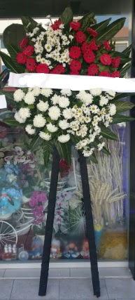Cenaze çiçeği cenaze çiçek modelleri  Nevşehir çiçek gönderme sitemiz güvenlidir