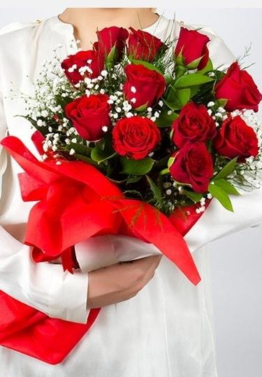 Aşk Gülleri 11 Adet kırmızı gül buketi  Nevşehir kaliteli taze ve ucuz çiçekler