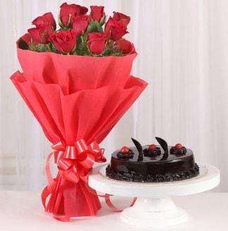 10 Adet kırmızı gül ve 4 kişilik yaş pasta  Nevşehir çiçek yolla