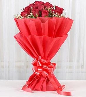 12 adet kırmızı gül buketi  Nevşehir çiçek yolla , çiçek gönder , çiçekçi